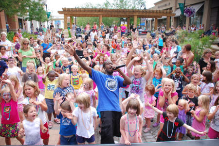 Arbor Lakes Shoppes - Jay Kids Entertainer